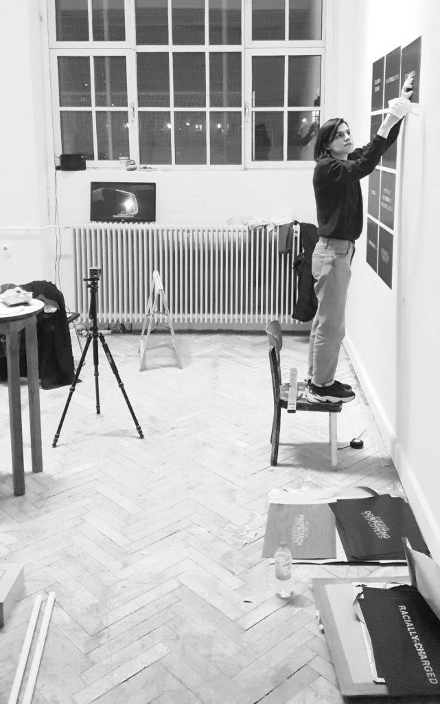 © Foto: Melina Kamou, Künstlerin Katja Pilipenko in ihrem Atelier