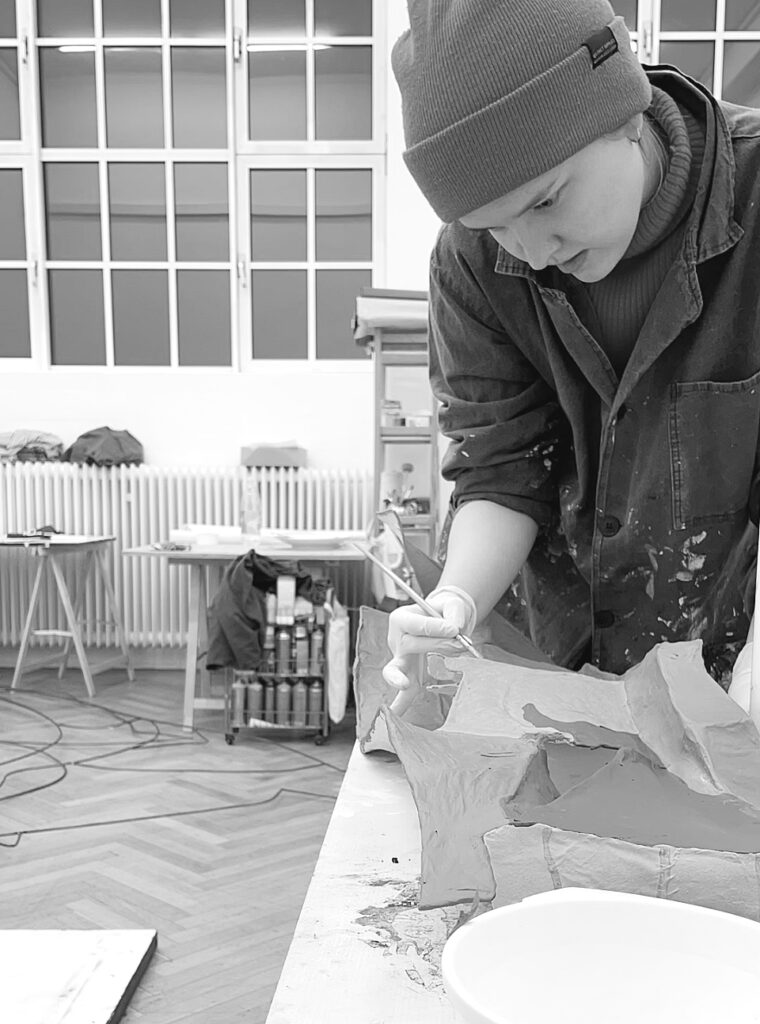 Elizaveta Ostapenko im Atelier