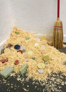 Lena Schramm: kapitalistische Miniaturwelt